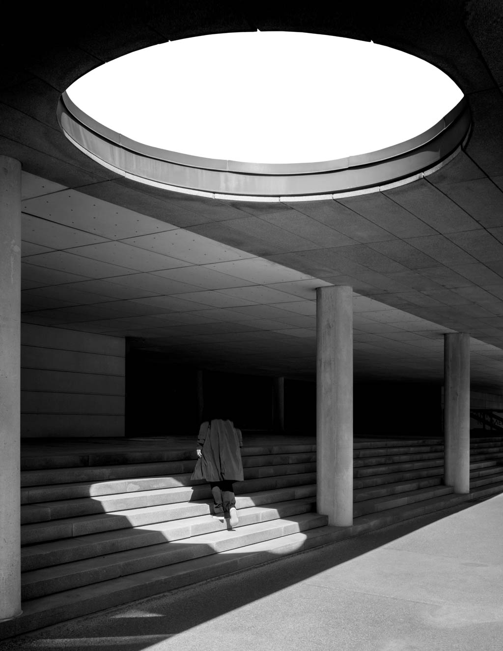 JonasBjerrePoulsen_Chiaroscuro_III_Architectura_Web_1024x1325px